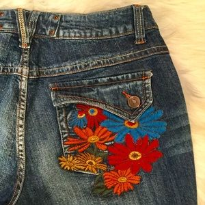 Venezia Embroidered Capri Jeans, 18